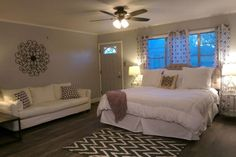Airbnb apartment in Amarillo, United States. $68 USD per night.   Newly renovated suite, built in 1942, tucked in the Heart of Amarillo.  This detached studio apartment features a comfortable king bed with plush, white bedding, white sofa, Insta-bed air mattress for extra guests, private bathroom with a shower. - Get $25 credit with Airbnb if you sign up with this link http://www.airbnb.com/c/groberts22