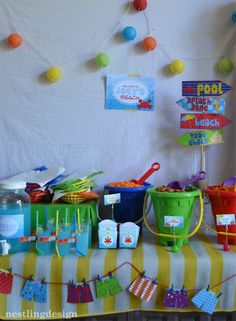 Food table - Beach Ball - Ideas of Beach Ball - Beach Ball Pool Party Reveal! Pool Party Crafts, Pool Party Themes, Pool Party Kids, Luau Party, Party Ideas, Splash Party, Beach Ball Party, 2nd Birthday Parties, Summer Birthday