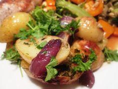En verden af smag!: Bagt Kartoffelsalat med Rødløg og Krydderurter