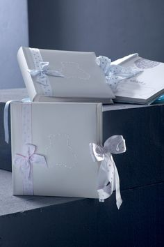 Βιβλία Ευχών : Βιβλία Ευχών 2 Facial Tissue, Container, Canisters