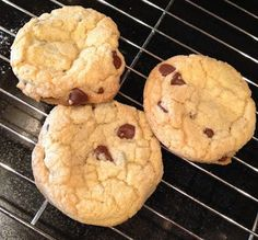 You searched for Disneylands Chocolate Chip Cookies - Babes in Disneyland Cookie Batter Recipe, Cookie Recipes, Yummy Snacks, Yummy Treats, Yummy Food, Sweet Treats, Homemade Chocolate Chip Cookies, Baking Chocolate, Eat Dessert First