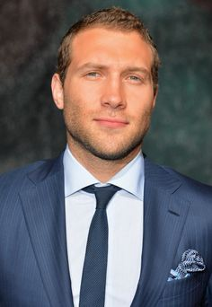 Jai Courtney Photos - The Warner Bros. Presentation at Comic-Con International 2015 - Zimbio