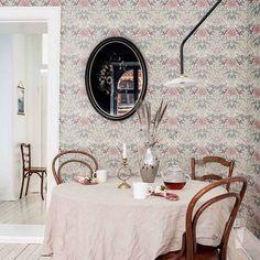 Fem framtida mönsterklassiker till pangpris – Happy Homes Designers Guild, William Morris, Decoration, Dining Table, Interior Design, Room Interior, Living Room, Mirror, Chair