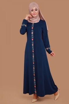 ** TESETTÜRÜN GÖZDELERİ ** Biye Çiçekli Pardesü İndigo Ürün Kodu: AH2157 --> 129.90 TL Modesty Fashion, Abaya Fashion, Fashion Dresses, Muslim Women Fashion, Islamic Fashion, Mode Abaya, Mode Hijab, Lace Gown Styles, Muslim Dress