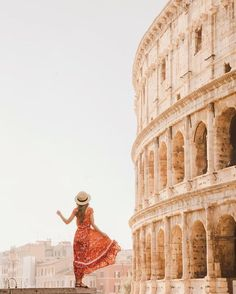 The Colosseum in Rome, Italy. Place to see and visit on your vacation trip to Rome. Places To Travel, Travel Destinations, Places To Visit, Rome Travel, Italy Travel, Rome Italy Tours, Travel Pictures, Travel Photos, Visit Rome