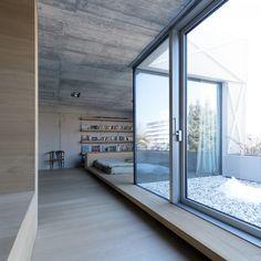 Villa Criss-Cross Envelope / OFIS Architects