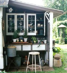 Potting Shed Lean to - I love the coveted outdoor pitting area