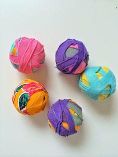 Make with old  socks and rice circusballs / juggling balles #diy circus