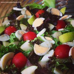 Receita em http://www.ouiouisaudavel.com/2013/08/saladas-saladas-e-mais-saladas.html