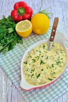 Ciuperci cu maioneza si usturoi, un aperitiv gustos, si atat de usor de facut! Se poate servi la orice masa a zilei, cu paine prajita sau pe felii de ardei. Veg Recipes, Vegetarian Recipes, Cooking Recipes, Cold Vegetable Salads, Romanian Food, Home Food, Salad Ingredients, Food Inspiration, Appetizer Recipes