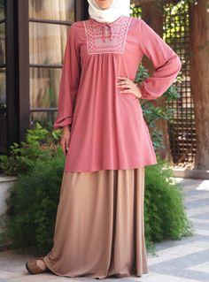 The blue one would be amazing with a white tiered skirt. Abaya Fashion, Muslim Fashion, Modest Fashion, Fashion Outfits, Women's Fashion, Pakistani Bridal Dresses, Islamic Clothing, Beautiful Hijab, Mode Hijab