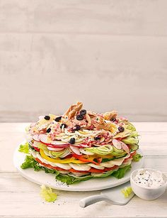 Brunch Recipes Party - salad with cheese, ham and fish Healthy Sausage Recipes, Healthy Instapot Recipes, Healthy Deserts, Healthy Dessert Recipes, Brunch Recipes, Yummy Recipes, Party Salads, Salad Cake, Party Finger Foods