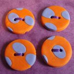 orange and purple buttons - nice!