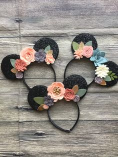 ▷PLEASE READ ENTIRE LISTING, SHOP ANNOUNCEMENT, FAQ and POLICIES. THANK YOU!!◁ Ears headband made with felt flowers. Fits toddler to adult Light weight and wont pinch behind ears...i get horrible headaches from headband and these dont bother me at all! :):) THIS IS A PREORDER SALE