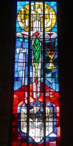 Emblems of St Thomas More, Stivichall | Stained glass by Patrick Pollen on the theme of St Thomas More,