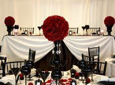my wedding will be red black and white =)