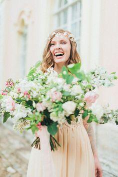 Romantic Ethereal wedding inspiration { Fresh and Subtle Shades }  | read more on fabmood.com #weddinginspiration :