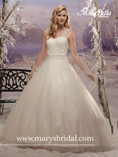Once upon a winter, there was this fairy tale-worthy gown by Mary's Bridal (Style Sparkling tulle, detachable straps and a lace-up back elevate you to Cinderella status. Mary's Bridal, Bridal Wedding Dresses, Bridal Gown Styles, Bridal Style, Wedding Gown Gallery, Beautiful Wedding Gowns, Dream Wedding, Wedding Dress Shopping, One Shoulder Wedding Dress