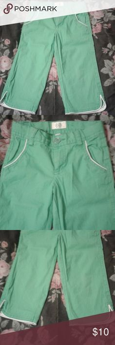 Girls The children's Place capris Girls The children's Place capris size 5 worn once The Children's Place Bottoms Shorts