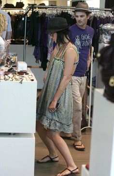 Katy Perry Out Shopping In West Hollywood (2009)