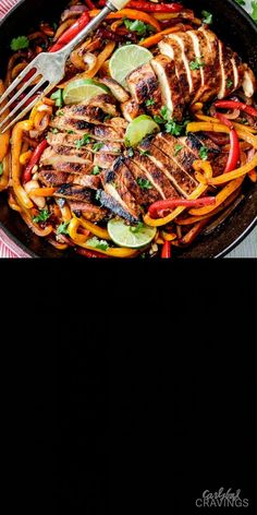 easy Skillet Chicken Fajitas - these are restaurant quality (or better!) fajitas at home! The marinade is out of this world and only 10 minute cook time! Healthy Dinner Recipes, Mexican Food Recipes, Cooking Recipes, Whole Fish Recipes, Kitchen Recipes, Chicken Fajita Recipe, Chicken Recipes, Oven Fajitas Chicken, Healthy Recipes
