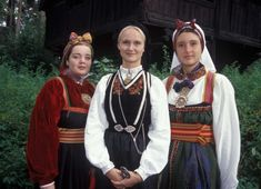 Verter i drakt fra telemarken. Oslo, Amish, Folklore, Traditional Outfits, Norway, Paradise, That Look, Costumes, Clothing