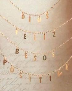 Cadenas personalizadas Tú decides las letras: puede ser tu nombre o palabras que quieras llevar siempre contigo