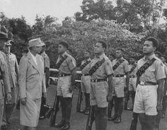 Mrs Roosevelt with the Samoan Marines.