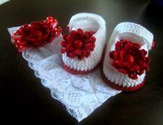 conjunto-sapato-e-tiara-branca-sandalia
