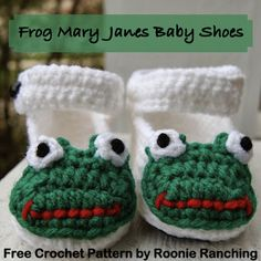 Frog Mary Jane shoes for a 9-month-old baby girl -- free crochet pattern from Roonie Ranching