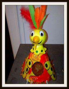 Cocotte Surprise - Le tour de mes idées Crafts For Kids, Crafty, Tour, Disney Characters, Kindergarten, Activities, Paper Mache Animals, Hens, Paper Envelopes
