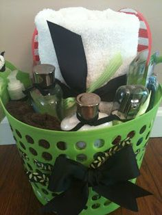gift baskets, dorm surviv, gift basket ideas, graduation gifts, college dorm rooms, college gifts, college dorms, college survival, colleg dorm
