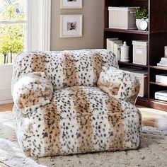 snow leopard eco lounger