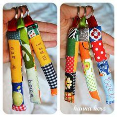 Schlüsselanhänger aus Stoffrestchen