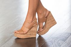 The Vera Wedges Camel - The Pink Lily