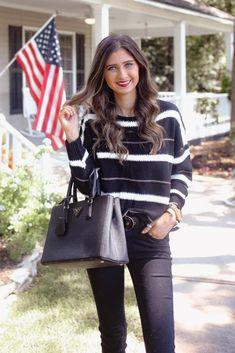 Shop Jess Lea Boutique A Little Sparkle Sweater #jesslea #jessleaboutique #jessleastyle #casualstyle #momstyle #casualoutfit #easyoutfit #ootd #boutique #boutiquestyle #sparklysweater #fallstyle #falloutfit #sweaterweather #newyearsoutfit
