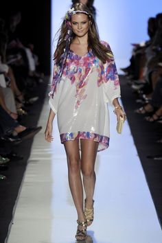 Behati Prinsloo - Vogue - Designer Diane von Furstenberg - Spring Summer 2009 Ready-To-Wear - New York - Photo by Firstview.