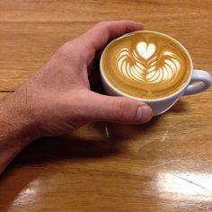 It's Friday.  #friyay #flatwhite #coffee #coffeeporn #warrnambool #warrnamboolcafe #warrnamboollunch #warrnamboolcoffee #Warrnamboolbreakfast #eat3280 #3280 #greatoceanroad #latteart by rough_diamond_coffee