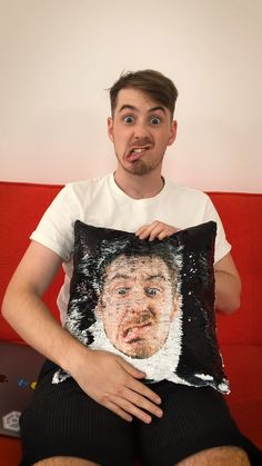 Get your face on a sequin pillow cover! decoratehome Whether it's a gift for ., Cover d. : Get your face on a sequin pillow cover! decoratehome Whether it's a gift for ., Cover decoratehome Face gift goldhomeaccessories Pillow Sequin your face sequ Sequin Pillow, Dwayne The Rock, Toast Noel, Diy Gifts, Great Gifts, Cute Christmas Gifts, Xmas, The Face, Shopping