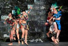 http://www.deguate.com/artman/uploads/35/danza-1.jpg