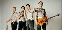 POLISI TNI GANTENG: Video Para Polisi Ganteng Ngeband Ini Viral , Begi...