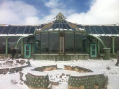 Off-Grid Living, Resources to build your own #Earthship | #eco #green #sustainability #permaculture #tinyhomes #tinyhouses #ecotecture #architecture