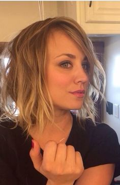 Kaley Cuoco without Top Spring Hairstyles, Short Bob Hairstyles, Pretty Hairstyles, Kaley Cuoco, Hair Styles 2014, Curly Hair Styles, Blonde Bob Haircut, Bobs For Thin Hair, Big Bang Theory