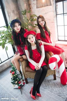 Twice-Chaeyoung & Yeri & Nancy Girl group maknase's christmas patty Nayeon, K Pop, Kpop Girl Groups, Korean Girl Groups, Kpop Girls, Seulgi, Red Velvet, Twice Chaeyoung, K Wallpaper