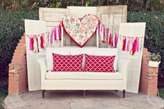 Great idea for a bridal shower, baby shower, outdoor wedding receptions and more using vintage decor featured on Rustic Wedding Chic | photography: Lowe Photos #hearts #vintagedecor