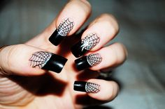Halloween nail art.. I am so gonna try to do this...