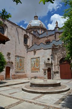 View from the side courtyard, Santuario Nuestra Señora de Guadalupe, Aguascalientes