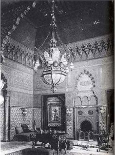 George B Post designed, Moorish smoking room, Cornelius Vanderbilt II residence, Avenue and street, NYC 1882 . This photograph was taken from the book Gilded Mansions by Wayne Craven Victorian Homes, Victorian Era, Cornelius Vanderbilt, Gloria Vanderbilt, Old Photos, Vintage Photos, American Mansions, Home Nyc, Vintage New York