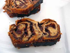 Chocolate Babka Recipe, something I've never heard of that looks delicious Gourmet Recipes, Dessert Recipes, Brunch Recipes, Jewish Recipes, Muffin Recipes, Dessert Ideas, Chocolate Babka, Chocolate Filling, Chocolate Desserts