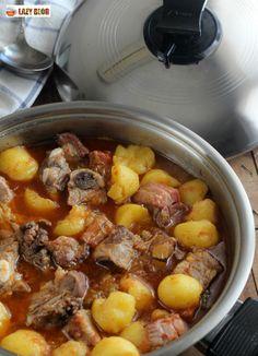 Patatas Guisadas, Pot Roast, Food And Drink, Pasta, Albondigas, Healthy Recipes, Ethnic Recipes, Soups, Salads